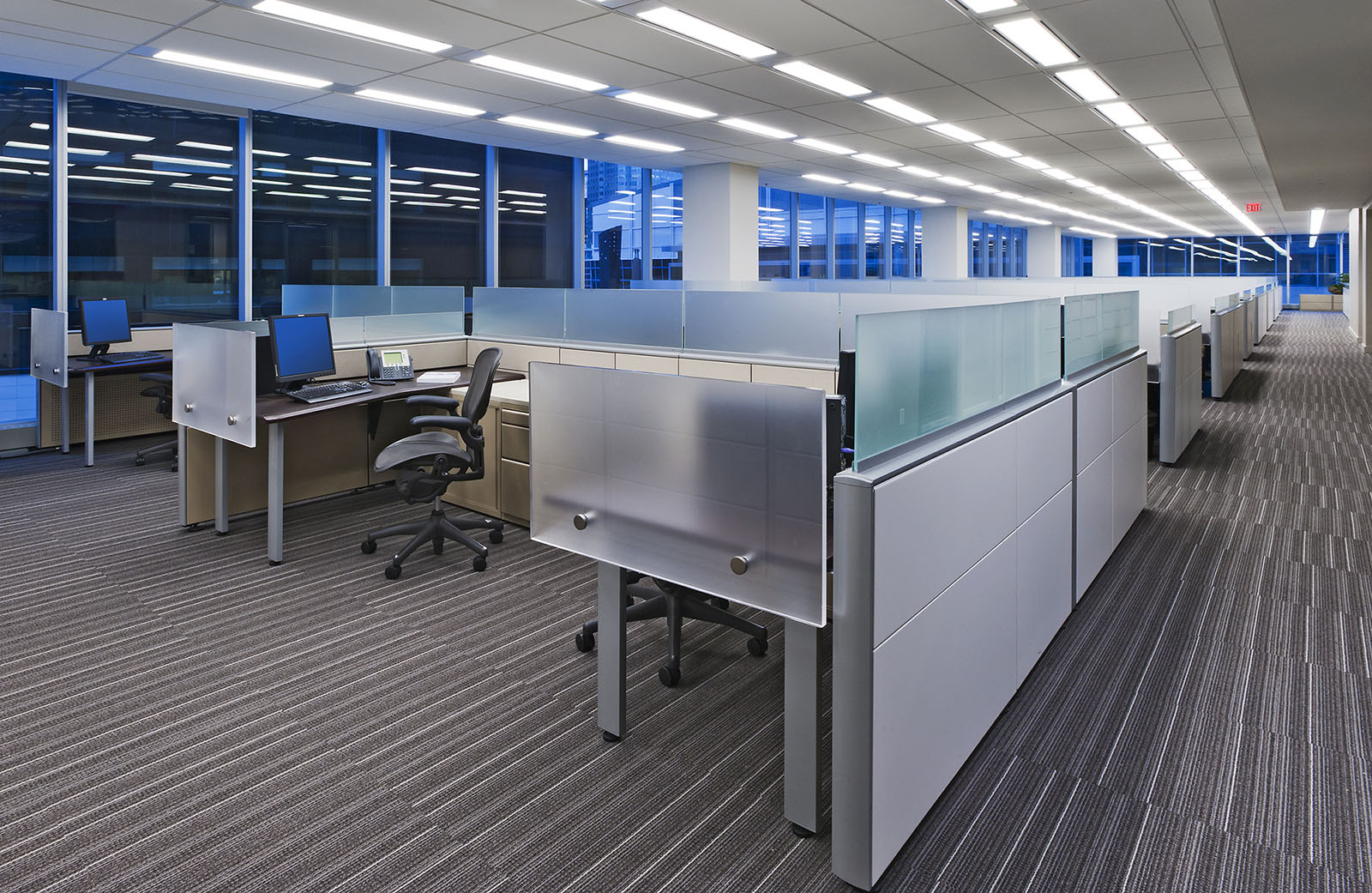 CI Financial Offices, Toronto, Ontario - workstations