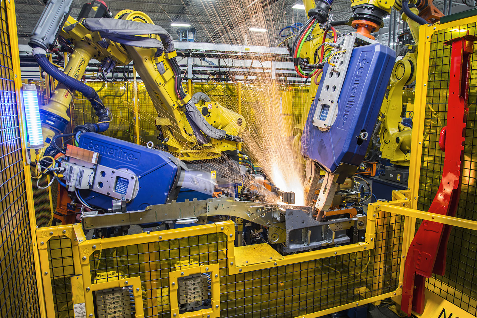 Robotic welder at Martinrae Automotive, Toronto